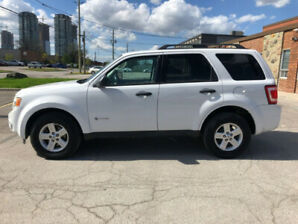 Selling 2009 Ford Escape Hybrid AWD (Safety Certified in Dec)