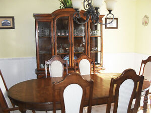 Dining Room Table and Chairs with matching Hutch and Buffet