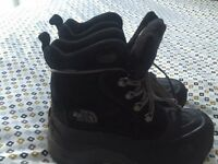 North Face Chilkat Boots Size 3