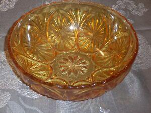 Art de la table: bol  en verre  fait par Anchor Hocking Glass