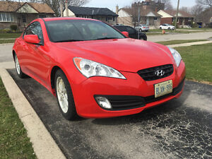 Mint Condition 2011 Genesis 2.0L w Turbo