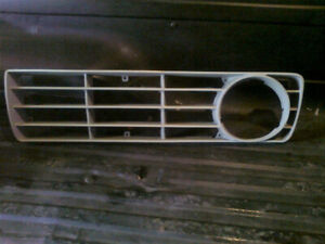 1973-1975 FORD TRUCK GRILLE INSERT.