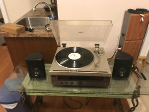 Pioneer PL-300 belt driven turntable record player