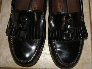 Men's ROCKPORT BLACK LEATHER LOAFERS, Size 11 London Ontario image 3