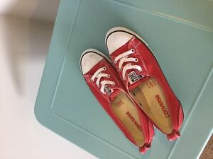 Red Low top converse sneakers
