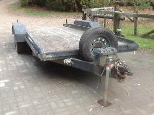 Flatdeck equipment trailer