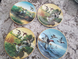 COLLECTABLE WALL PLATES