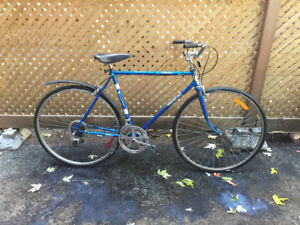 Vintage Road bike small-medium CDN or Plateau