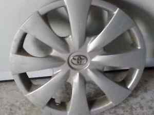 Toyota Corolla Hubcap