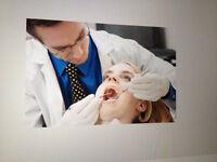 Réparation de pièce à la main d'équipement dentaire