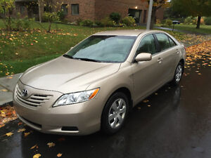 2009 Toyota Camry LE - 154,000KM - Remote starter