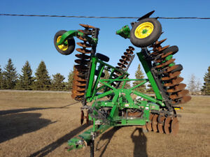 2013 JD 33.7foot 2625 offset disc .