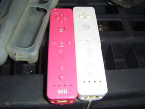 2 wii remotes