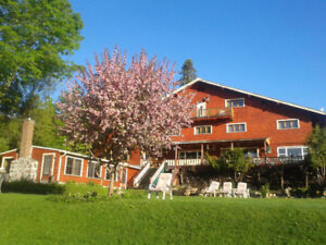 Waterfront Auberge Parkers Lodge in Val-David for sale