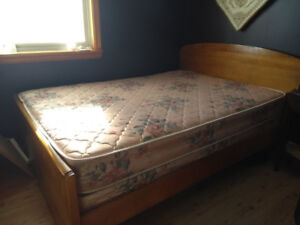 Canadian made McGregor double box spring and mattress in great c
