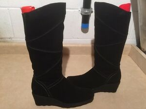 Women's Tall Black Winter Boots Size 9