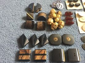 Assorted vintage 1930/1940 buttons