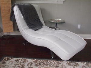 Stylish lounger with table