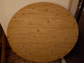 Round pure pine wood table with screw on legs