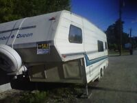 Slumber Queen 5th Wheel 23.5 Feet