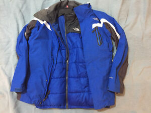 3 IN 1 NORTH FACE JACKET – SIZE YOUTH XL   80$ London Ontario image 1