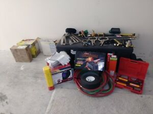 Heating torch , regulator , hose  , gloves,
