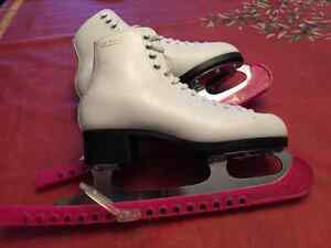 GAM figure skates in new condition