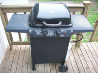 Like new 1 year old BBQ with all the accessories!!!