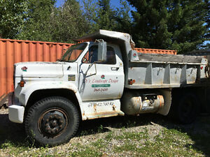 Chevrolet 1975 5 ton single axle dump truck