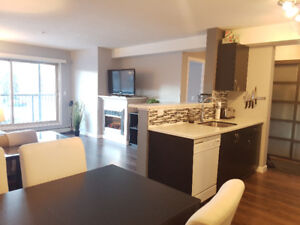 AVAILABLE IMMEDIATELY - 2 bed 2 bath condo in West Edmonton
