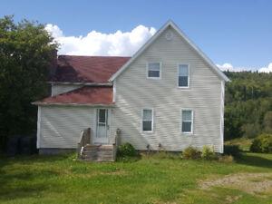 Bras d'Or Lake front Home 3025 Hillside Boularderie