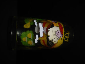 VINTAGE SNOOPY/CHARLIE BROWN DRINKING GLASS