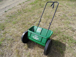 Fertilizer and Seed Spreader NEW NEVER USED