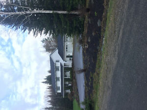 Affordable 5 bedroom 15 mins fr downtown and 15 mins to oromocto