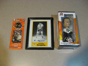 MARIO LEMIEUX SIGNED POSTCARD, BOBBLEHEAD DOLL AND COLLECTOR PIN