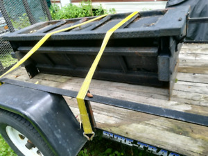 Tailgate hydraulic pick-up hayon hydraulique pick-up (1200$)