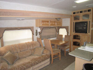 2005  31.5' Corsair Excella High End Fifth Wheel