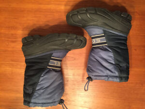 Boys Sorel and Gray Wolf Winter Boots - Size 3