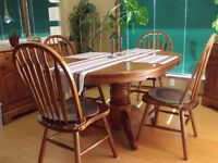 OAK PEDESTAL DINING TABLE W/4 CHAIRS