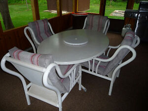 4 Patio  Chairs with matching placemats