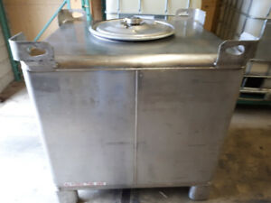 WANTED CLEAN  STAINLESS STEEL TANKS & DRUMS