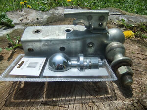 Ball Trailer Hitch with Extra Trailer Hitch Ball