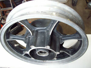 1982 Kawasaki 750 LTD rear wheel hub rim 16 X 3.00 Windsor Region Ontario image 2