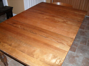 Antique Maple harvest dining table with leaves Cornwall Ontario image 6