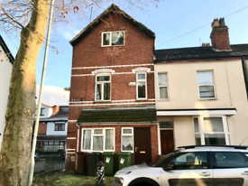 **Newly refurbished** Large 4 bedroom Victorian House to let