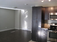 FREE NOV RENT,  2BR LOWER SUITE IN CRYSTAL LANDING AVAILABLE NOW