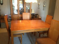 Solid Oak Dining Table, Chairs and Hutch