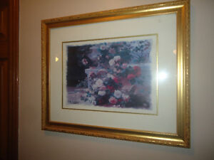 FLORAL PICTURE IN A GOLD FRAME