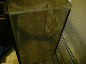 "NEED GONE 10GAL AQUARIUM TANK 10"" x 12"" x 20"" ASAP"