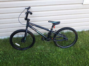 Kids stunt bicycle 20in wheels GT Mach 1 expert